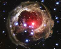 Иллюминация газа и пыли вокруг V838